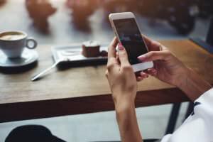 HR news on Phone